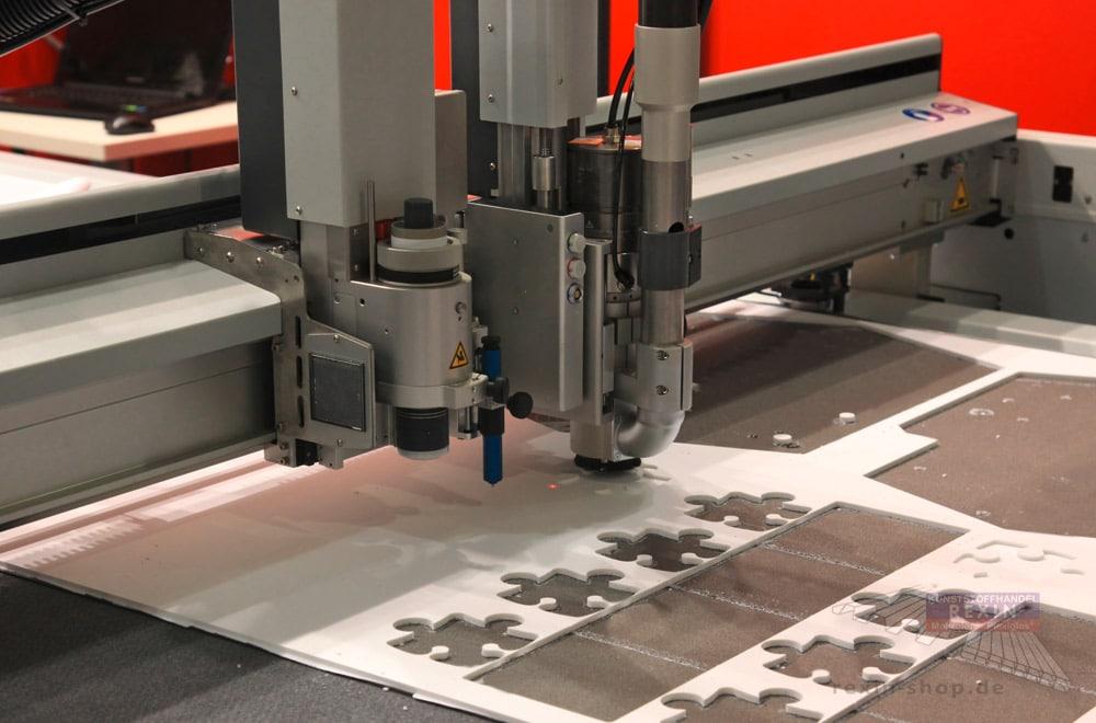 CNC Kunststoff-Zuschnitt: Plexiglas, Makrolon, PVC exakt zuschneiden per CNC-Fräse.