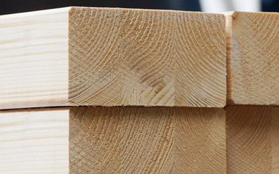 Leimbinder: bestens geeignet für Holz-Terrassendächer.