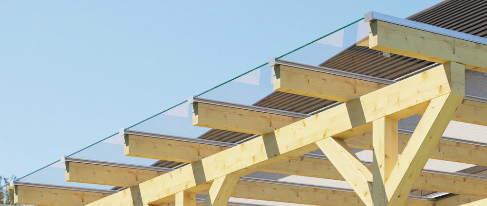 Holz-Terrassenüberdachung jetzt mit Glas
