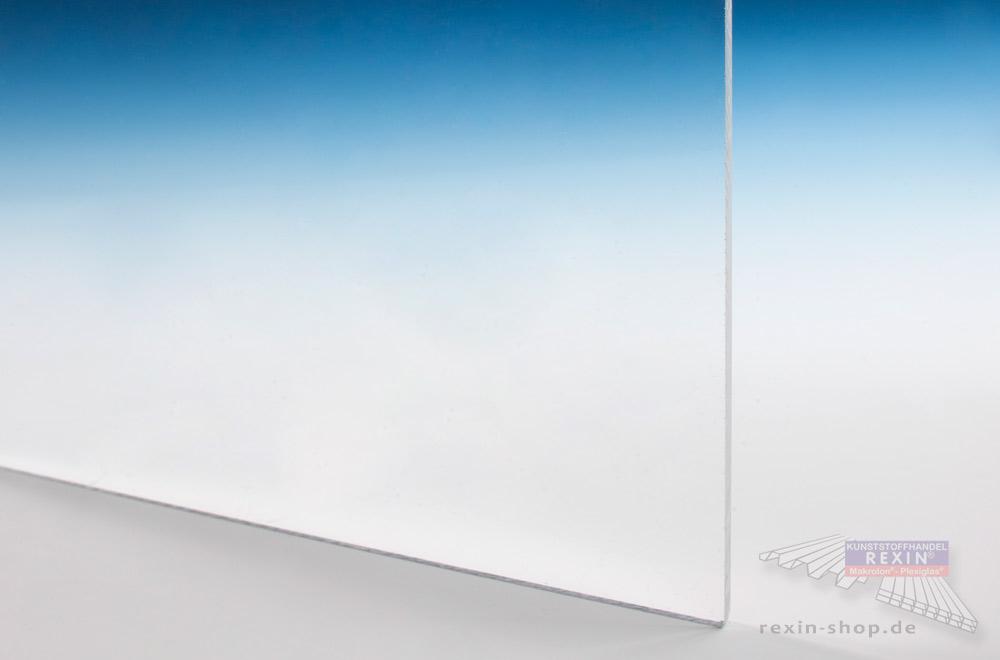 Acrylglas ist sehr lichtdurchlässig und bruchfest.