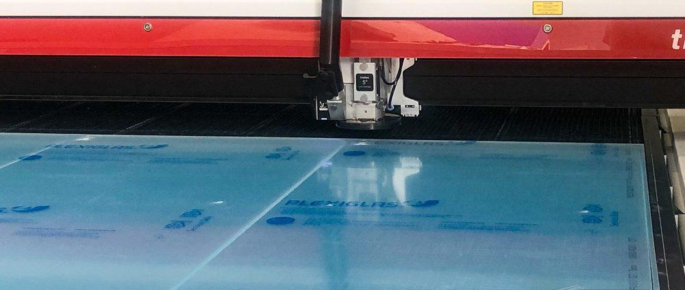 Kunststoffe exakt zuschneiden mit einem CNC-Laser