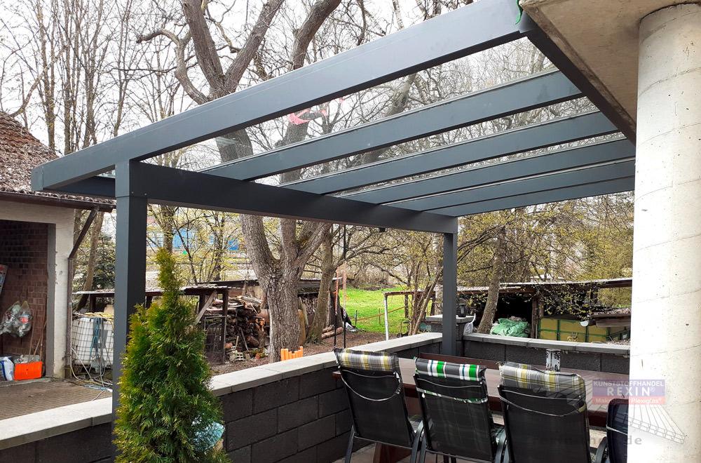 Alu-Terrassendach REXOclassic mit VSG: Durchblick garantiert.